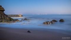 La plage de Mr Hulot (Tintin44 - Sylvain Masson) Tags: heurebleue pauselongue saintnazaire longexposure atlantique mer ocean hiver k3 pentax rocher tamron1750 paysdelaloire france