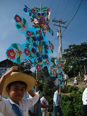 Indigenas_11 (Gionitz_PIC) Tags: cultura indigenas tradicion rostros trajestípicos culturamexicana trajesregionales fiestasregionales totonacos rostrosdemexico rostrodemexico