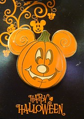 Happy Halloween Pin (partyhare) Tags: halloween pin jackolantern disney mickey happyhalloween chipanddale chipndale disneypin