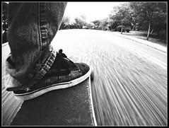 la jungla a mis pies (Jrge) Tags: madrid spain longskate skate longboard parquedeloeste jungla longboarding gopro ojoloco lachicadelacurva