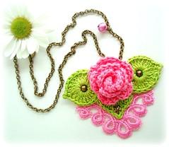 Muito romântico, colar de crochê von Lidia Luz