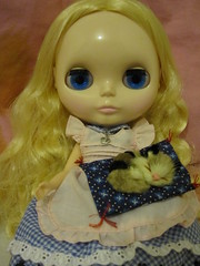 Alice in wonderland 8/9 : Smiling cat?? No, sleeping cat XD