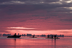 K1 (Jos Andrs Torregrosa) Tags: sea clouds canon mar rojo amanecer nubes piraguas 2010 k1 joseandres losurrutias canon70200f4 40d
