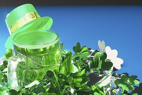 Shamrocks-green-beer-leprachaun-hat-main_Full