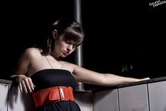 (baketa) Tags: red portrait black girl beauty night pretty princess retrato mulher preto vermelho bonita noite liliana noiva fiance strobist baketa 430exii brunomendes lylzinha