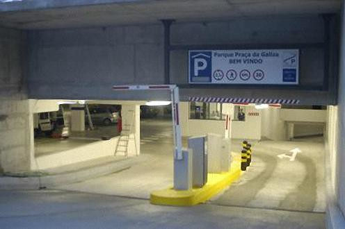 Parque Estacionamento - Praça da Galiza ©Diário do Minho