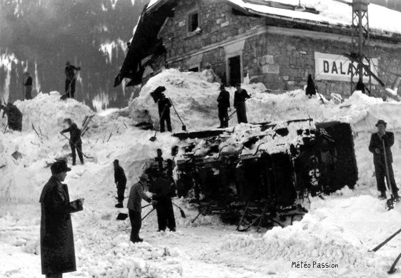 gare de Dalaas en Suisse dévastée suite à l'avalanche du 12 janvier 1954
