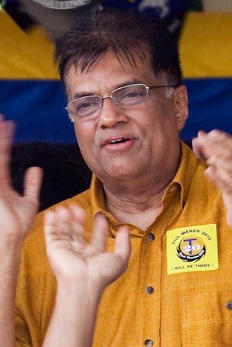 In a campaign trick to mimic Mahinda, Ranil once dyed his hair