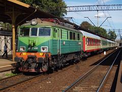 PKP EU07-490 (jvr440) Tags: railroad station train railway rails locomotive gdansk fasttrain pkp expresstrain eu07 gdanskglowny