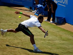 Tsonga at full stretch (Not enough megapixels) Tags: london andy grass court centre atp jo tournament final mens championships monday murray singles wilfried queensclub aegon 2011 tsonga