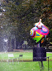 photo - Basel Museum Jean Tinguely (Jassy-50) Tags: photo basel basle switzerland jeantinguely tinguely museumjeantinguely tinguelymuseum museum art artwork publicart sculpture emptychairs