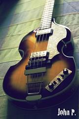 Hfner (John P. Fotografas) Tags: bass beatles viola hofner hfner mcarney