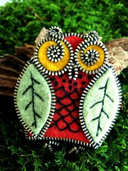 Embracing the zipper (woolly  fabulous) Tags: wool leaves recycled felt owl zipper embroidered ecofriendly