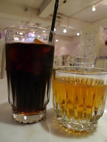 一杯咖啡+一杯蘋果汁 by you.