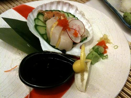 Live Scallop Sashimi