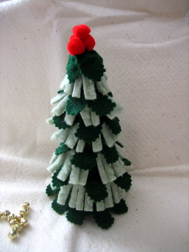 Felted Christmas tree.
