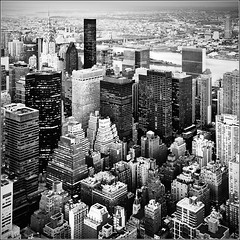 New York City (J.Rio) Tags: city newyorkcity ny blancoynegro blanco monochrome architecture landscape blackwhite nikon cityscape unitedstates manhattan ciudad paisaje bn chryslerbuilding nikkor estadosunidos rascacielos joserio