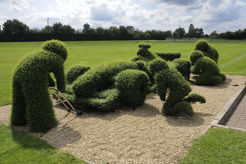 Topiary F1 Pit Stop at Williams F1 Factory by Jez B.