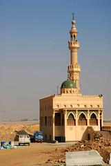 Il Cairo (4'33'') Tags: egitto deserto moschea