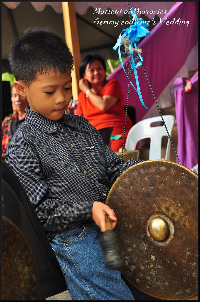 The kid with the gong