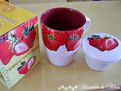 Caneca de morangos ( Xanda ) Tags: strawberry morangos caneca presente