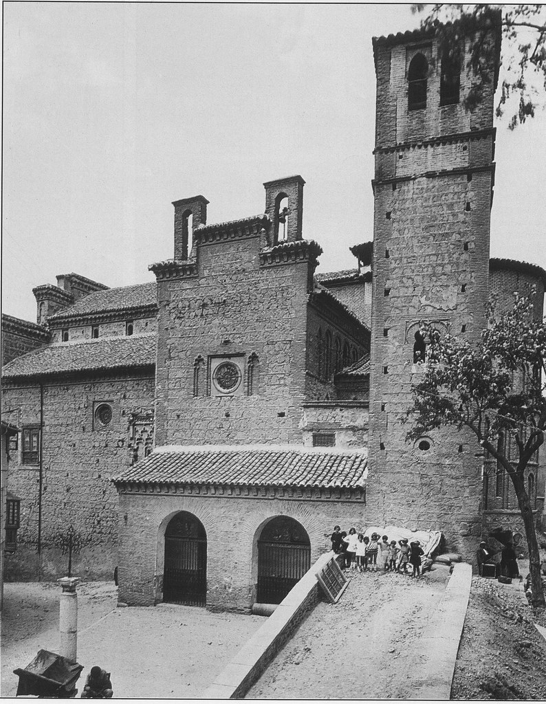 Iglesia de Santiago del Arrabal a principios del siglo XX. Foto Rodríguez