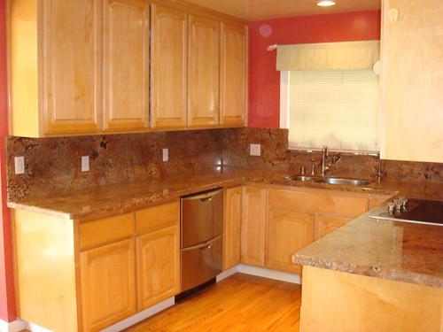 Kitchen (Right shot)