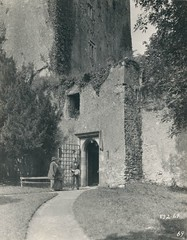 Thomas Meighan at Blarney Castle 1925 (MajorCalloway) Tags: blarney irishcastle irishluck irishfilm ireland1920s