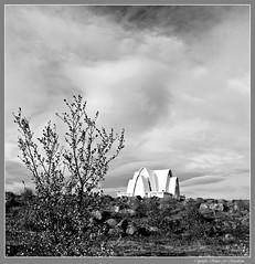 (Runar F) Tags: sky bw church clouds island iceland islandia iglesia cielo nubes islande iglesa kirkja sk himinn kpavogur kpavogskirkja