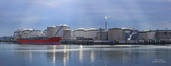 Vopak panorama (Peet de Rouw) Tags: panorama haven port ship storage tanker tanks vopak rozenburg peet europoort portofrotterdam maritimephotography denachtdienst havenfoto portpicture peetderouw peetderouwfotografie havenfotografie maritiemefotografie gettyimagesbeneluxq1