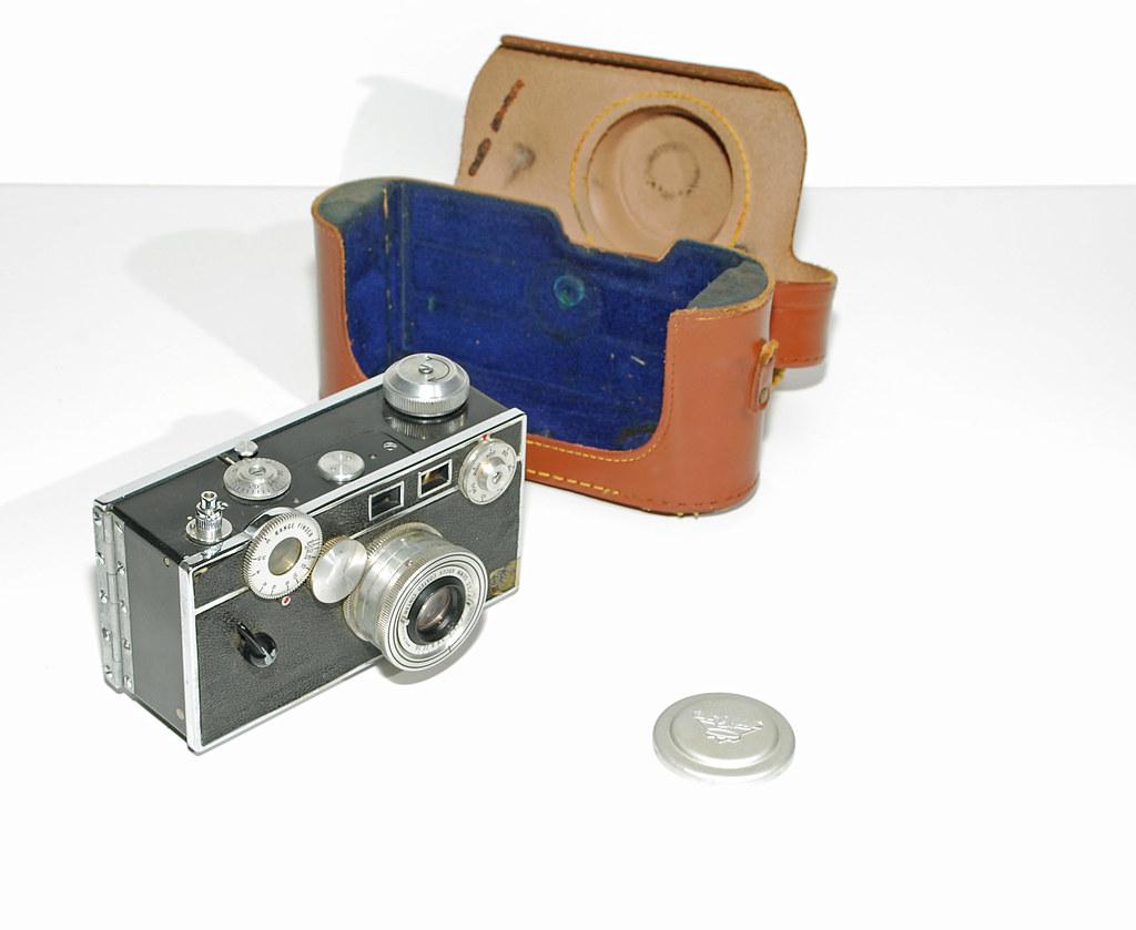 Argus C-3  35mm film camera, 1939 - 1966