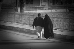 Couple of Baghdad (Hussain Isa) Tags: iraq baghdad valentinesday copule wife love street oudoor war gcc gulf river islamic islam veil muslim hijab chador
