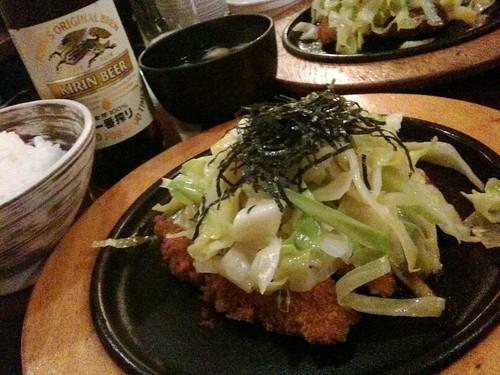 新宿すずやとんかつ茶漬けの鉄板!
