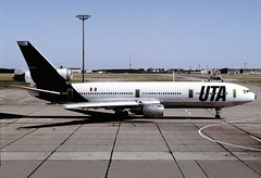 UTA, F-BTDB, DC.10-30, SXF, 1985 (AlainDurand) Tags: germany aviation airlines uta sxf airliners airtransport dc10 jetliners frenchairlines dc1030 worldairlines douglasdc1030 europeanairlines uniondetransportsaériensuta fbtdb berlinschônfeld