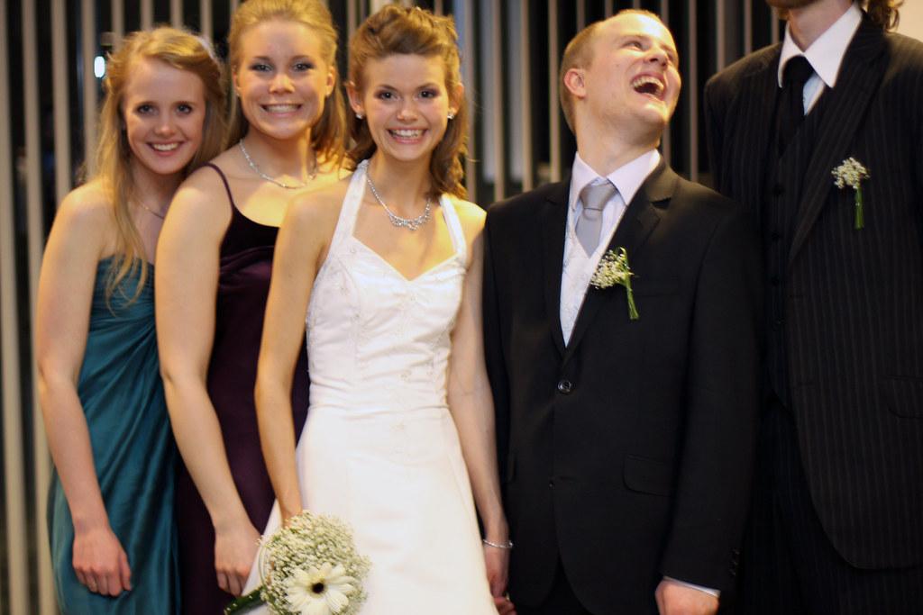 Ina og Eirik med forlovere #1