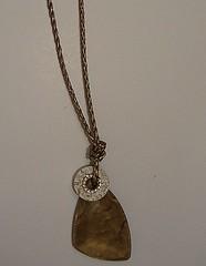 C182 (H-ARTE BIJUTERIAS (31)9993-9804) Tags: madeira pedras colares correntes prolas pingentes madreprola bijuterias muranos resinas