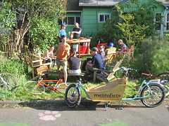 sunny day keg_02 (METROFIETS) Tags: green beer bike bicycle oregon garden portland construction paint nw box handmade steel weld coat transport craft cargo torch frame pdx custom load cirque woodstove builder haul carfree hpm suppenkuche stumptown paragon stp chrisking shimano custombike cargobike handbuilt beerbike workbike bakfiets cycletruck rosecity crafted 4130 bikeportland 2011 braze longjohn paradiselodge seattlebikeexpo nahbs movebybike kcg phillipross bikefun obca ohbs jamienichols boxbike handmadebike oregonhandmadebikeshow nntma hopworks metrofiets cirqueducycling oregonmanifest matthewcaracoglia palletbike oregonframebuilder seattlebikeshow bikefarmer trailheadcoffee