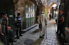Old City of Jerusalem (ErniePhoto) Tags: israel stones jerusalem police arab arabe jewish oldcity policia piedras ejercito d300 musulman ciudadvieja yerushalaim musulmanes top20travelpix jorysz