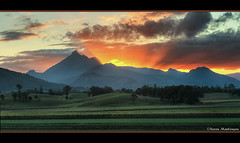 Sunset over Mount Warning - Murwillumbah (danishpm) Tags: sunset clouds canon eos australia aussie aus mountwarning goldcoasthinterland murwillumbah canefields northernnsw eos450d 450d tweedshire 55250mmkitlens sorenmartensen