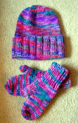 FO: Megan's hat and mittens