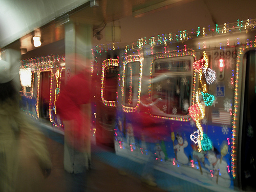 Chicago's Santa Train (by: Sarah Best, creative commons license)