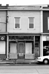 320 Bathurst St - 1 - February 28, 1999 (collations) Tags: toronto ontario architecture blackwhite documentary vernacular streetscapes bathurstst builtenvironment urbanfabric