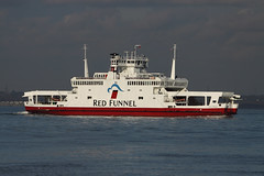 RED EAGLE (John Ambler) Tags: red water car sign ferry call eagle solent southampton cowes funnel imo mmsi 9117337 232002589 mvrw8