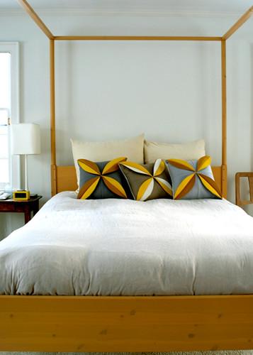 felt-flower-pillows425