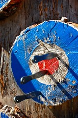 A Great Throw (Boneheaps) Tags: wood set three stump target knives blades grouping targets throwingknives knifethrowing