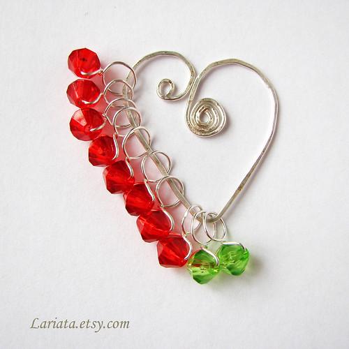 stitch markers on a heart holder/buddy