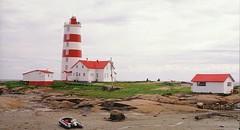 Cap du Mont, Quebec (Herman Giethoorn) Tags: lighthouses quebec stlawrenceriver