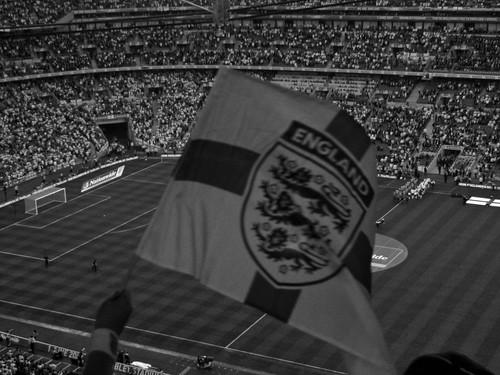 inglaterra brazil england bandeira brasil football movement coatofarms stadium flag soccer estadio bandera futbol futebol wembley wembleystadium threelions royalcoatofarms