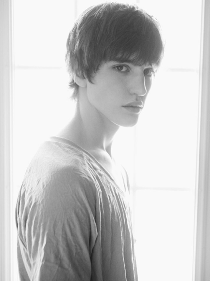 Brett Ofield0015(Q model Management)
