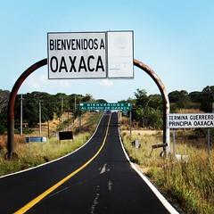 auf dem Weg nach... (Anamario Queijeiro) Tags: mexico oaxaca camino guerrero frontera sur sol playas mar mexiko